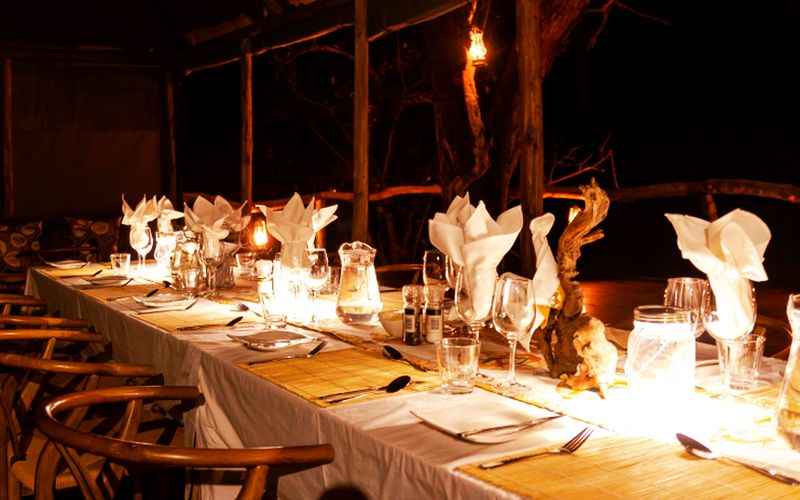 O Bona Moremi Restaurant Tisch