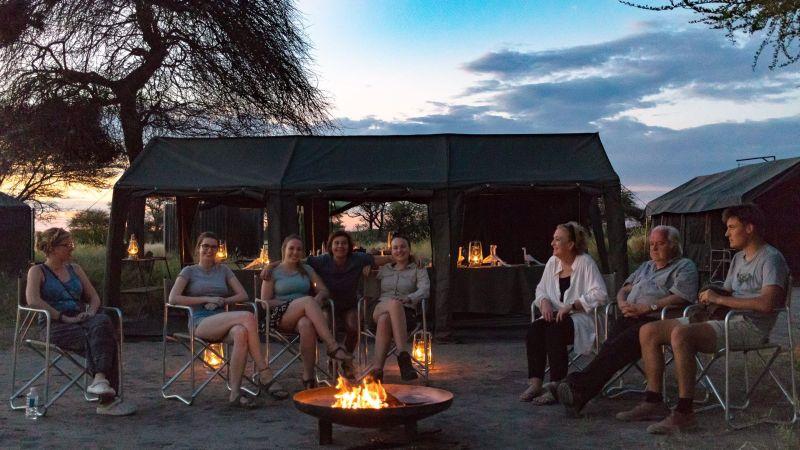 Mobile Camp romantiv fireside evenings